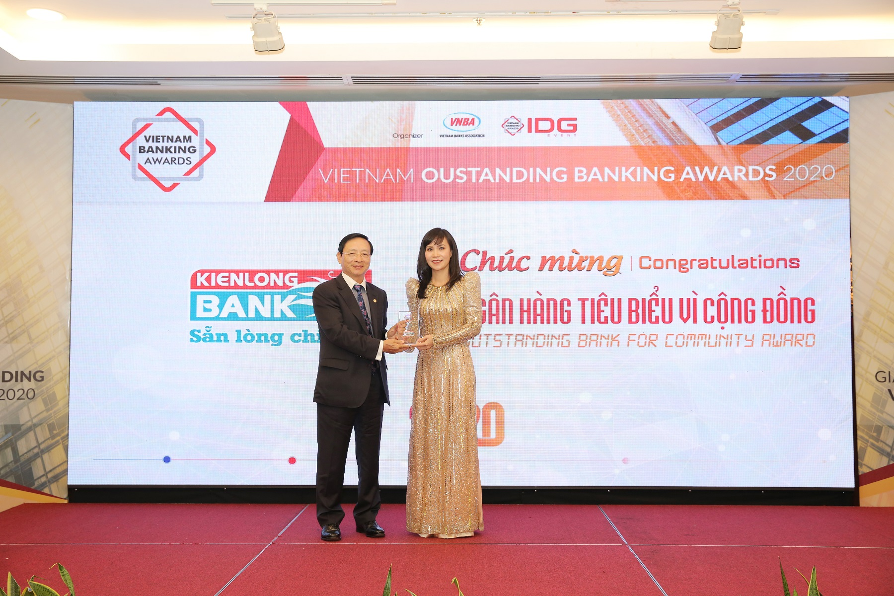 "Kienlongbank was honored as ""Typical Viet Nam bank for community"""