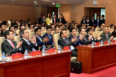 Thủ tướng mong muốn ngành ngân hàng chú trọng xây dựng niềm tin