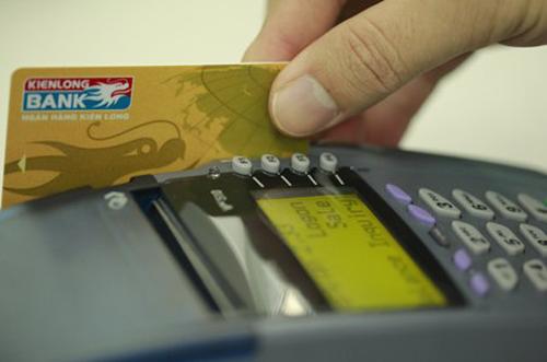 Sản phẩm Tiết kiệm trả lãi qua thẻ ATM